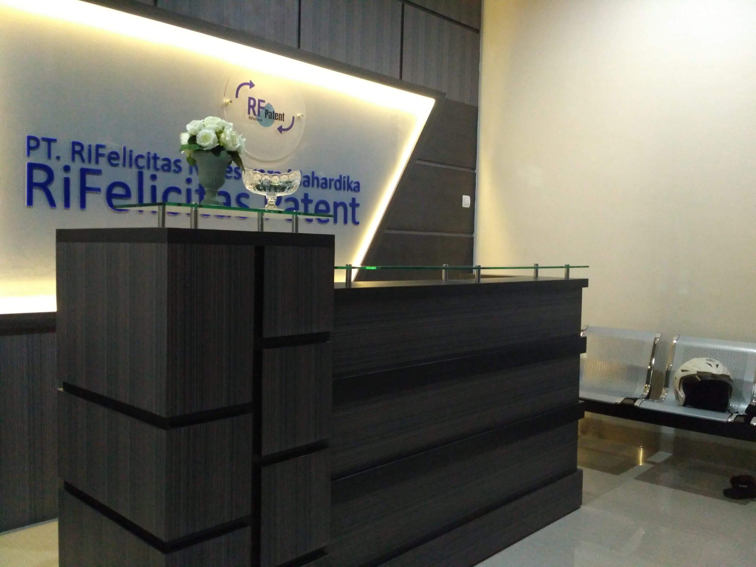 meja receptionis